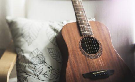 Erotyk na gitarę i palców parę